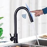 Grifo de cocina con sensor táctil, ducha extensible, 2 modos de pulverización, con función giratoria de 360º, mezclador de acero inoxidable, grifo de fregadero con palanca, color negro